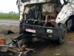 Водитель грузовика пострадал при столкновении с комбайном в Слуцком районе