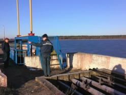 Работники МЧС проверили гидротехнические сооружения Случчины