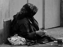 «Нищие» с детскими фото зарабатывают как айтшники - Белсат