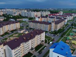 Многодетные семьи в Беларуси будут стоять в очереди на жилье не больше года