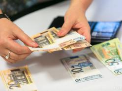 Мужчина похитил деньги из незапертого неохраняемого павильона