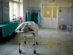Могилёвские патологоанатомы обманули полтысячи человек: «мимо кассы» завышали цены услуг
