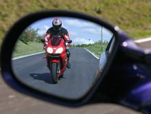 До конца недели инеспекторы ГАИ взяли на особый контроль мотоциклистов