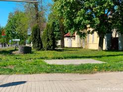 Куда пропал «профилактический» арт-объект МЧС, который устанавливали напротив входа в парк?