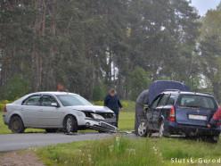 Вблизи деревни Малая Падерь лоб в лоб столкнулись Opel и Ford