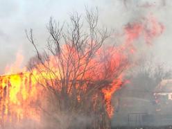 Дачница подожгла семь зданий при выжигании сухой травы в Вилейском районе