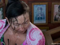 Крещение на купели в деревне Покрашево Слуцкого района. Фоторепортаж