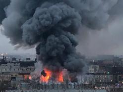 В гипермаркете Петербурга произошёл пожар, обрушилась кровля