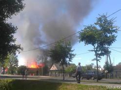 В районе вокзала горел сарай, пристроенный к дому. Без жертв