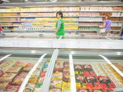 У белорусов выросли расходы в магазинах и на рынках. Сколько денег тратит в день один покупатель