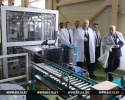 Александр Лукашенко сегодня посетил предприятия Слуцка