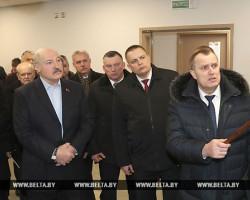 Посещая Слуцк, Лукашенко потребовал удвоить зарплату учителям