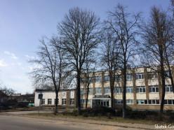 Перед фасадом «Ремзавода» удалили насаждение голубых елей (обновлено)