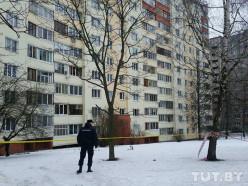 «Выбросили с 11 этажа». Что говорят жители дома о найденном в Минске мертвом двухмесячном ребенке