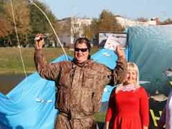 «Удача на крючке». На День города в Слуцке прошёл первый районный конкурс рыболовов
