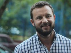 Освобожден политтехнолог Виталий Шкляров, который был на встрече с Лукашенко в СИЗО КГБ