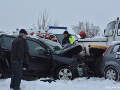 Серьёзное ДТП в Лучниках: грузовик столкнулся с Geely, погиб директор предприятия (обновлено)
