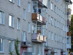 В районе Молодёжного центра горела квартира, мужчина в тяжёлом состоянии