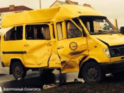 В Солигорске МАЗ и микровтобус не поделили дорогу: один погибший, четыре пострадавших
