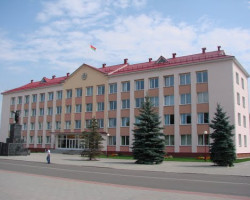 Зампредседателя Стародорожского райисполкома подозревают в хищениях топлива