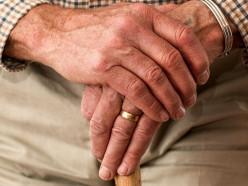 Старость занимает третью строчку в списке причин смерти за прошлый год в Минской области