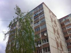 Две учащиеся Слуцкого медколледжа собирались прыгнуть с крыши, одна из них спрыгнула