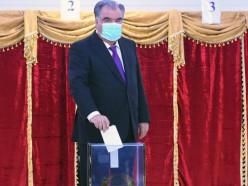 Президента Таджикистана переизбрали на пятый срок. Официально за него проголосовали более 90%