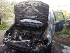 Под Слуцком сгорела машина. Предварительная причина — поджог