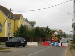 Благоустраивается тротуар на 2-м переулке М.Богдановича