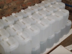В Слуцком районе сотрудники ОБЭП изъяли 500 литров спирта и 200 бутылок водки