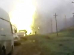 Загорелся УАЗ с газовыми баллонами, произошел взрыв. Видео