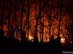 В ночь на католическую Пасху произошёл пожар на кладбище д. Уланово
