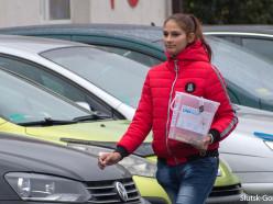 На стоянке «Радуги» задержали девушку, которая собирала деньги от имени фонда UNIHELP