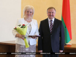 Директора «Универмага «Слуцк» наградили от имени Президента