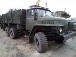 «Слуцкая фабрика пошива одежды» продаёт на аукционе два грузовика