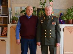 На «Уроке мужества» в Весейской школе случчанам вручили медали от министра обороны