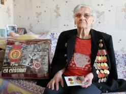 Восьми случчанам ветеранам Великой Отечественной войны вручили юбилейные медали и подарки