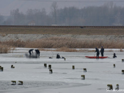 Водолазы извлекли тело утонувшего подводного охотника
