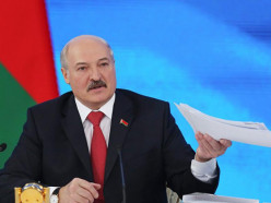Белорусам предлагают задать вопрос Президенту
