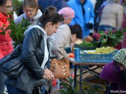 В Слуцке проходят осенние ярмарки. Фото, цены