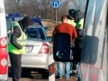На трассе Р23 сегодня останавливают все маршрутки, многим водителям выписывают штрафы