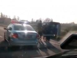 На трассе под Слуцком задержали водителя с 2,7 промилле алкоголя. Видео