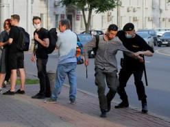 Умагазина Symbal.by задержали около 20 человек. Милиция говорит, из-за конфликта сместным жителем
