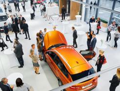 Празднуем вместе! 5% скидка на все модели в честь открытия первого концептуального автоцентра LADA