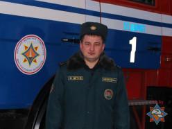 Замначальника Стародорожского райотдела МЧС спас бабушку до прибытия коллег