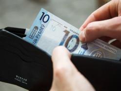 Правительство прогнозирует в следующем году среднюю зарплату на уровне 1025 рублей