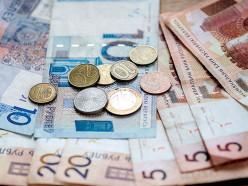 Белстат: средняя зарплата в Слуцком районе второй месяц держится выше 1000 рублей